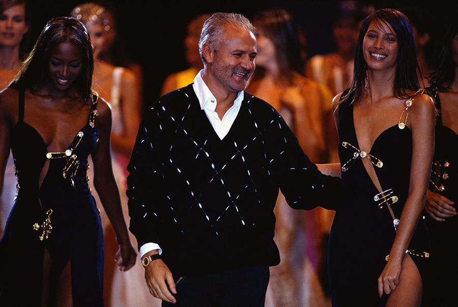 Gianni Versace vestidos e modelos