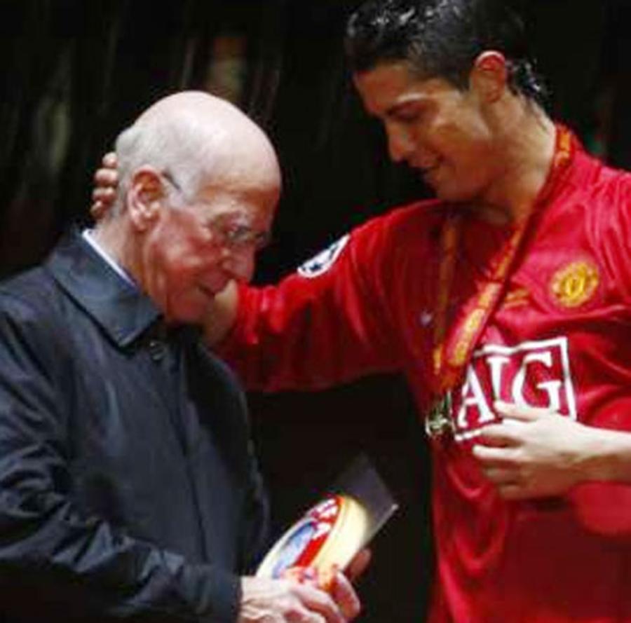 Sir Bobby Charlton e Cristiano Ronaldo