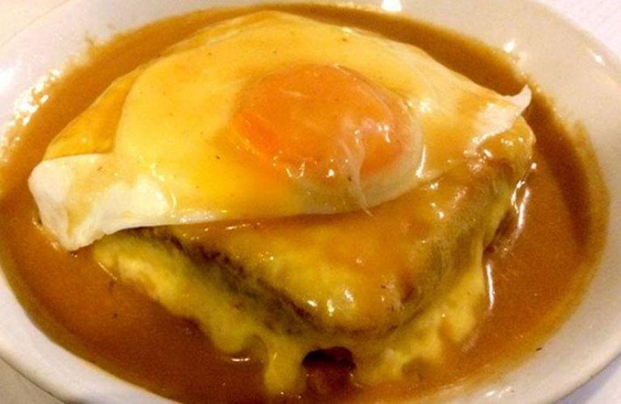francesinha - prato típico do Porto